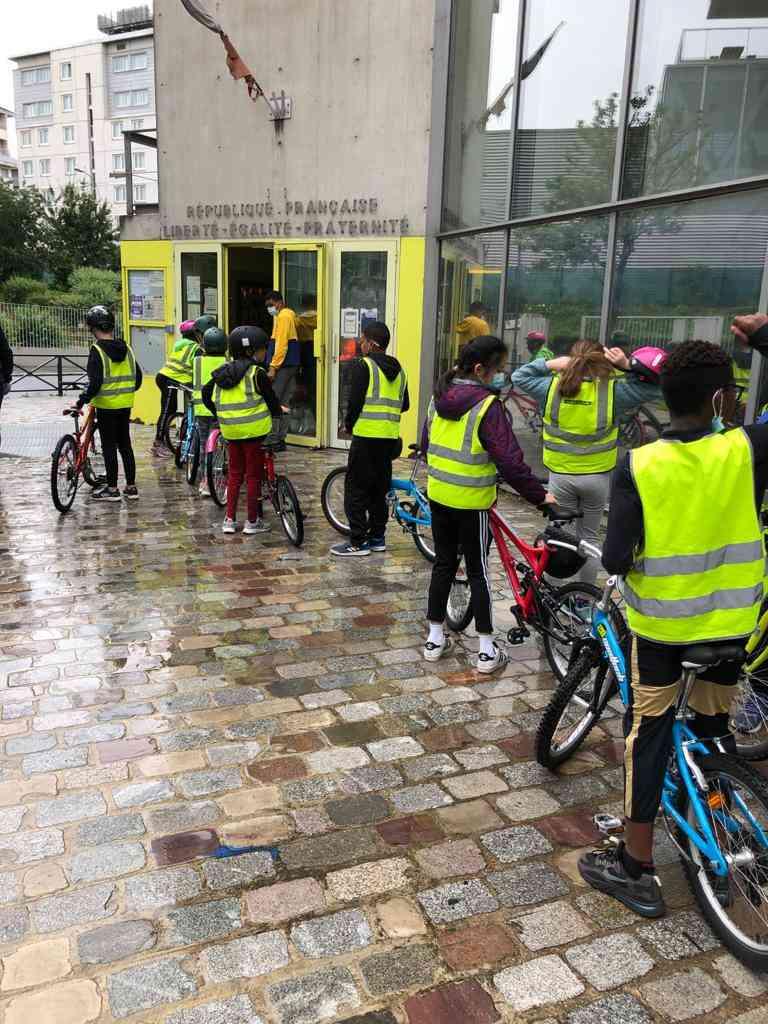 PCO srav 1 - 325 écoliers parisiens formés au Savoir Rouler !